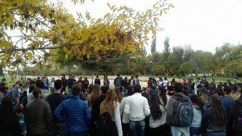 tras 18 dias de toma, estudiantes temen perder el cuatrimestre