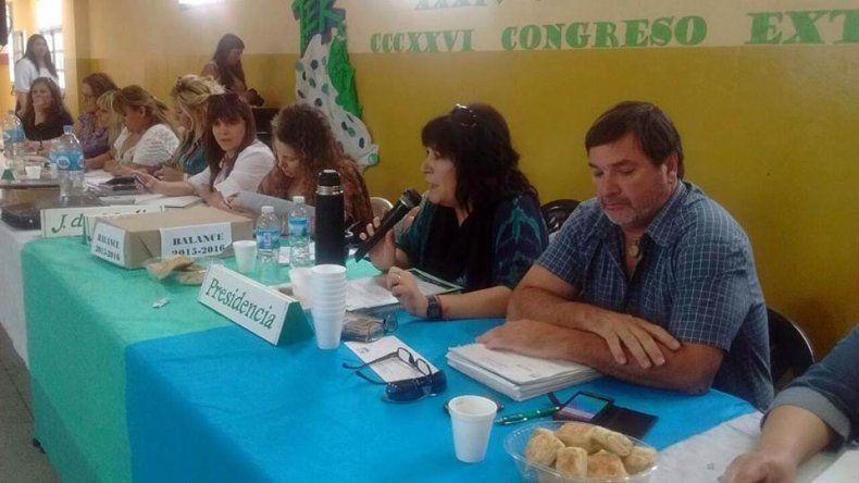 Con una votación dividida, los docentes rionegrinos aceptaron la propuesta salarial