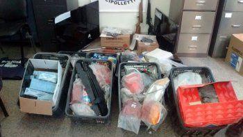 Parte del botín recuperado a los delincuentes atrapados este jueves.