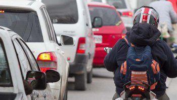 condenan a conductor a pagar medio millon a un motociclista