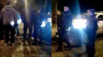 un patrullero choco a dos jovenes en moto y hubo incidentes