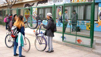 El CET 30 funciona en la esquina de Paraguay y Primeros Pobladores.