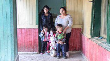 La casa en la que viven las dos familias está ubicada en la calle Independencia al 200 del barrio San Pablo.