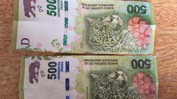 Intentaron pagar con billetes falsos y los detuvieron.