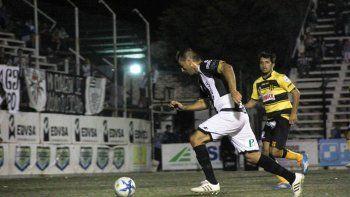 Farías ha tenido pocas chances en el último tiempo por el buen momento del Monito Opazo en la delantera.