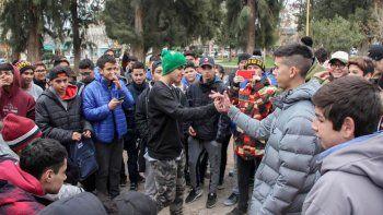 La propuesta del rap y el hip hop concentra una cantidad cada vez mayor de adolescentes y jóvenes en la ciudad.
