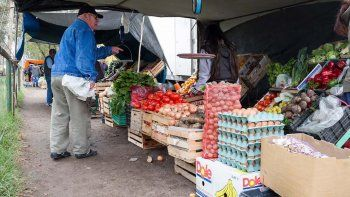 Las ferias en Cipolletti son una alternativa por su variedad y sus precios.