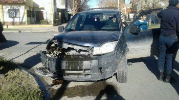 violento choque entre dos camionetas dejo un herido