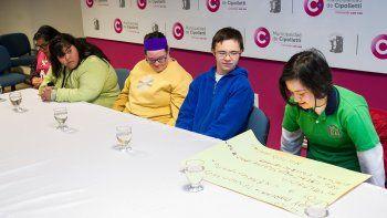Seis jóvenes con síndrome de Down se convirtieron en concejales.