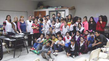 Proyectaron el documental albinegro en la Escuela N°293