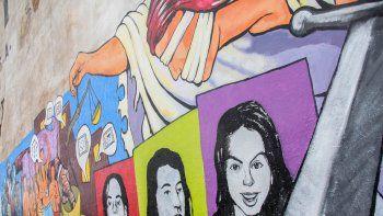El primer mural de la campaña fue pintado con ayuda del artista Chelo Candia.