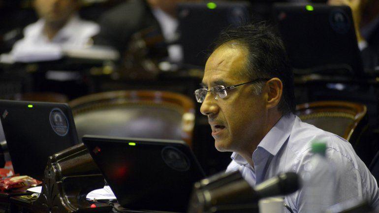 El diputado Sergio Wisky presentó su proyecto para legalizar el aborto
