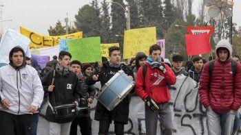 estudiantes cipolenos protestaron por problemas edilicios