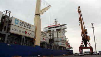 La salida de peras y manzanas pierde competitividad sin los reembolsos por puertos patagónicos.