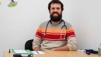 El pediatra Gabis está preocupado por la salud de los niños perlenses.