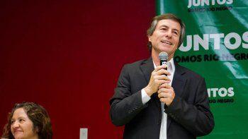 Para Gatti, los candidatos opositores deberán pedir permiso antes de votar.