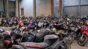 Cientos de autos, motos, bicicletas, camiones y camionetas están secuestrados y sin retirarse en los depósitos.