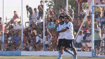 En el debut, los cipoleños vencieron a 25 de Mayo en La Pampa.