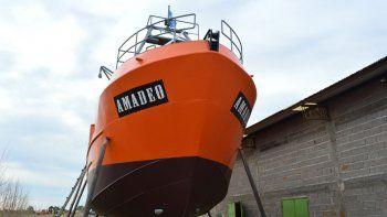 El barco fue bautizado Amadeo en honor al abuelo de los dueños.
