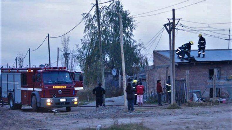 Una discusión entre madre e hija terminó con una casa en llamas.