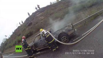 Se le incendió la camioneta en medio de la ruta y no se dio cuenta