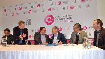 El convenio se firmó ayer en el Municipio cipoleño.