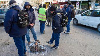 Los municipales se manifestaron en la calle y seguirán con la protesta
