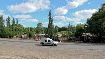 La ampliación de la ruta, a la altura de Tres Luces, no dejó espacio para las casas más cercanas a la banquina.