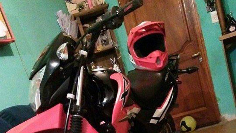 La imagen de la moto robada se difundió en las redes sociales.
