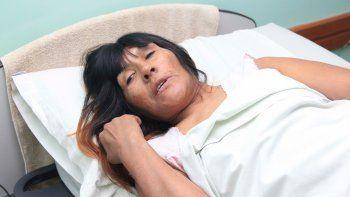 Aurelia ya pasó por tres hospitales. Está internada en Cipolletti.