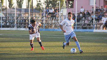 El capitán Mora debutó en el torneo ante J. J. Moreno, en la fecha pasada.