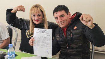 Alejandra Locomotora Oliveras junto a El Comandante Hugo Escobar