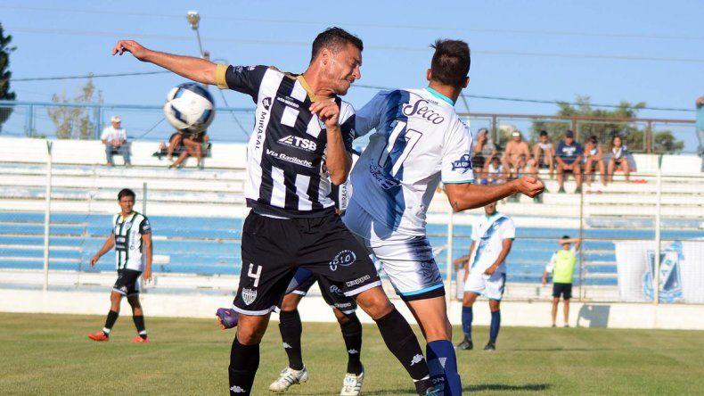 Valente, uno de los que jugaron en enero en Puerto Madryn pensando en el arranque del reducido por el Federal A.