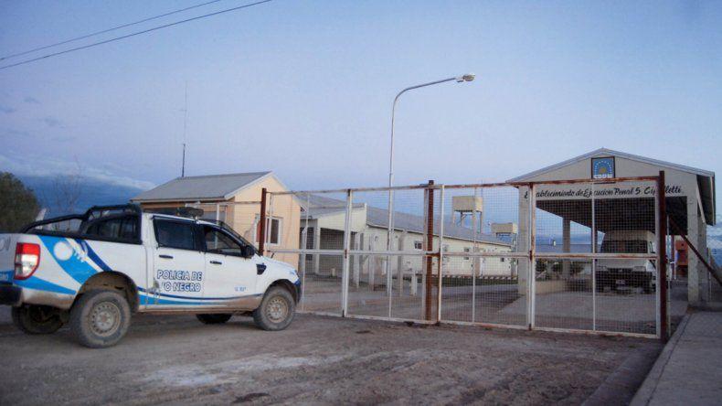 La violación de la menor en el Establecimiento de Ejecución Penal de Cipolletti generó un gran despliegue de autoridades penitenciarias y judiciales.