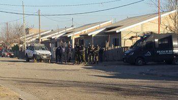 El operativo involucró a un gran número de policías.
