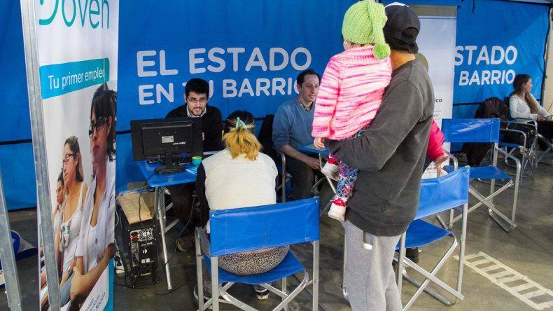 La iniciativa El Estado en tu Barrio se realiza desde el martes en el Estadio Municipal.