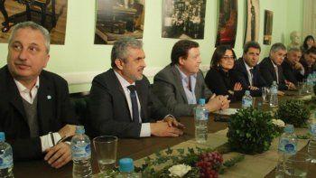 Weretilneck participó del encuentro de gobernadores en Buenos Aires.