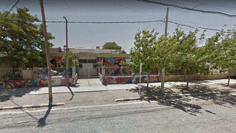 El conflicto ocurre en la Escuela Primaria 234 del barrio Don Bosco.