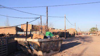 La basura es un problema muy grave en los asentamientos de la ciudad, por lo que el servicio de recolección ayudará a mejorar la higiene y la limpieza.