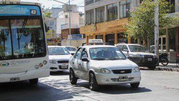 Para la APTC, una de las dos entidades representativas del sector, la nueva tarifa atiende una serie de mayores gastos que vienen afrontando los taxistas.