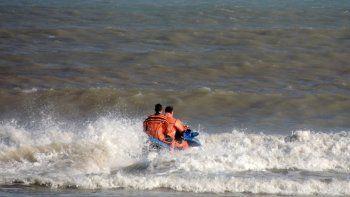 Un kitesurfista quedó a la deriva y debió ser rescatado por Prefectura