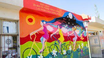 La Facultad de Ciencias de la Educación y Psicología recibió el último mural.