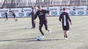 El delantero ya superó una lesión en la rodilla y viene de jugar media hora en La Pampa, donde marcó un gol.