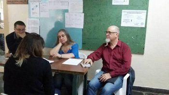 En la UNCo los estudiantes rinden en un pasillo por falta de aulas