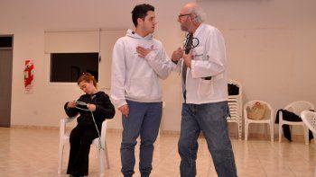 Los protagonistas de Sobreturno ensayan de cara al estreno del sábado.