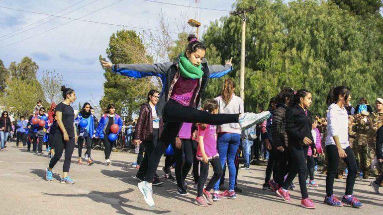La ciudad se viste de fiesta para el desfile aniversario