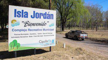 La Isla Jordán y su comunidad progresan y se desarrollan.