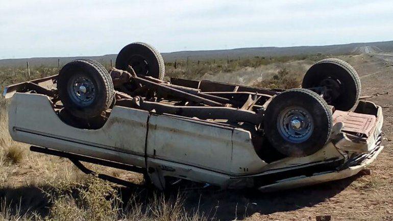 Un hombre murió tras volcar en la Ruta Nacional 151