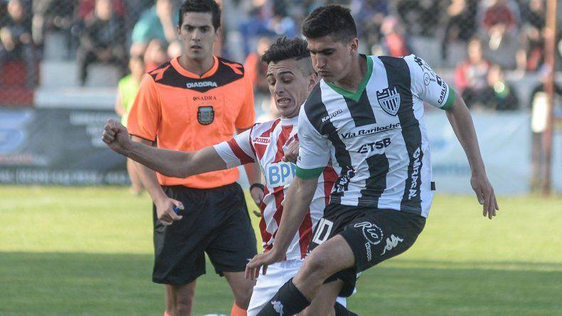 Del Prete vuelve a jugar en la posición de mediocampista por la izquierda.