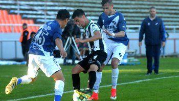 Ávila le rindió al técnico en la posición de 3. Junto a Del Prete se complementaron bien en la banda izquierda.